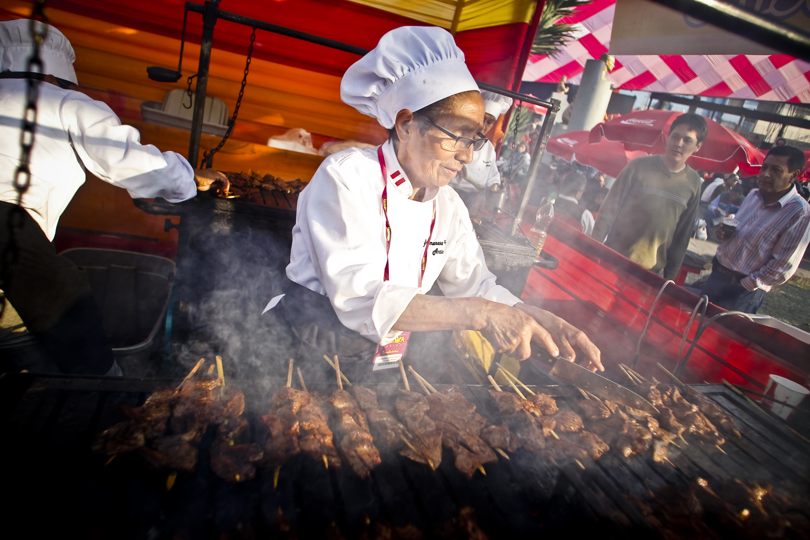 Doña Grimanesa - preparación de anticuchos